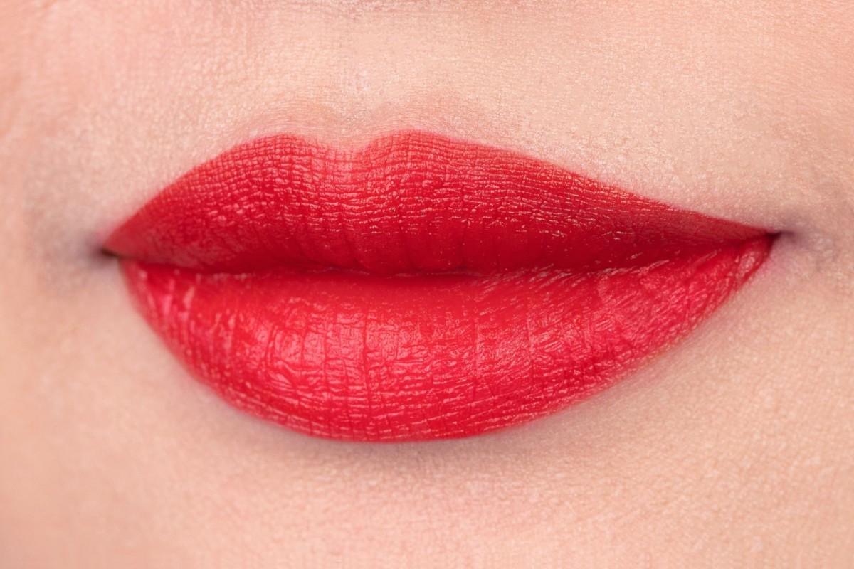 羊胎素价格_Antipodes Moisture Boosting Forest Berry Red Lipstick 4g   Natonic